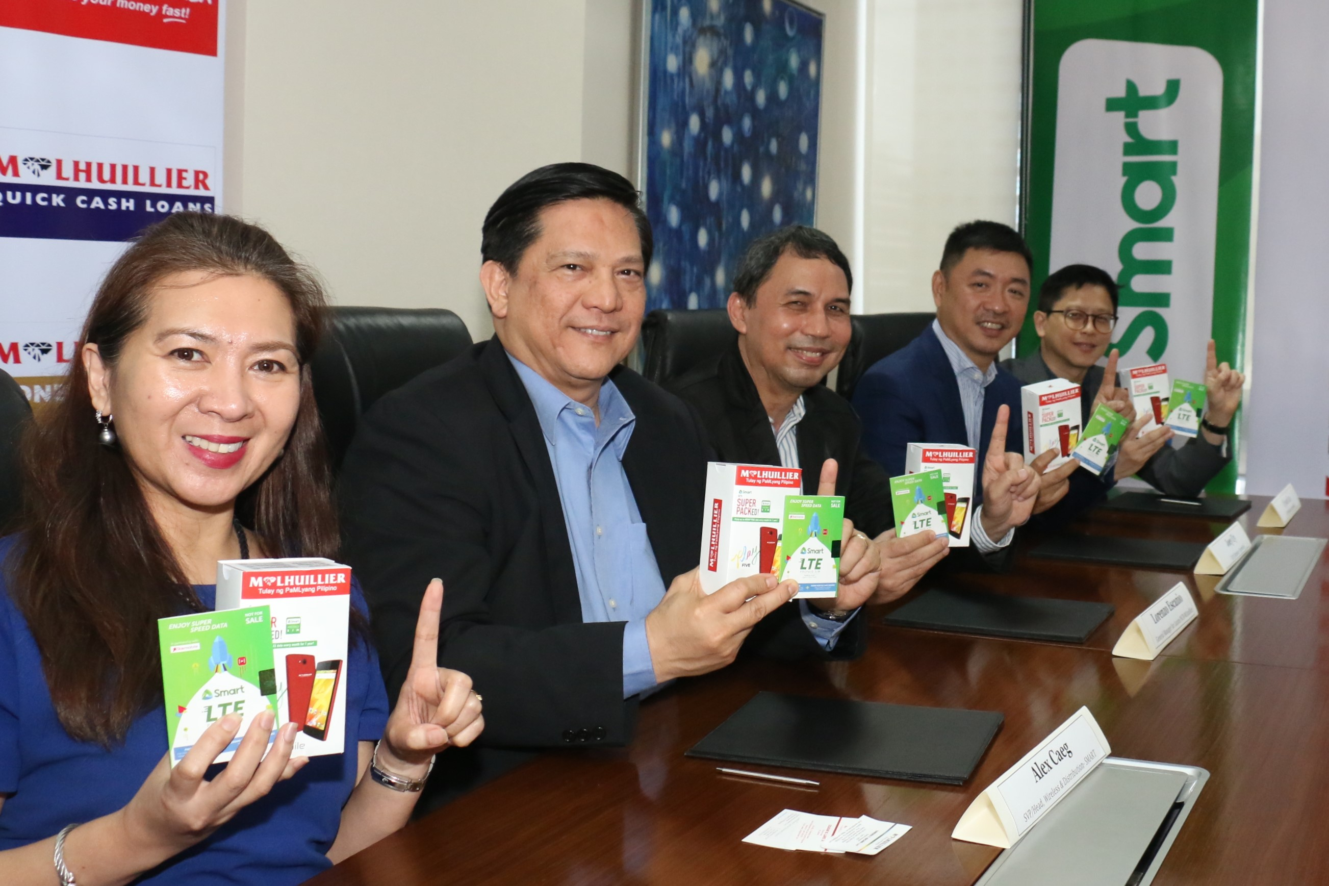 Smart, MLhuillier, Starmobile team up to have more Pinoys go digital